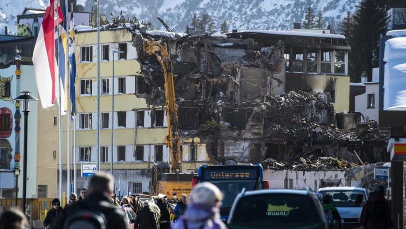 Ermittlungen eingestellt: Brand des «Posthotels Arosa» bleibt ungeklärt