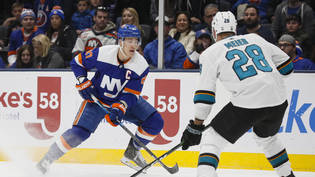Niederlage trotz Assist von Timo Meier (re.): Die San Jose Sharks verloren in New York 1:4